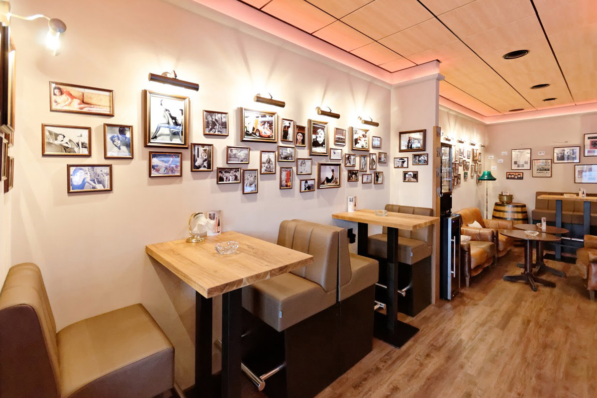 Galerie Café Legenda 03