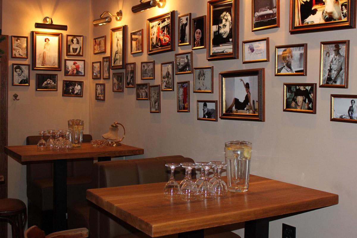 Galerie Café Legenda 13