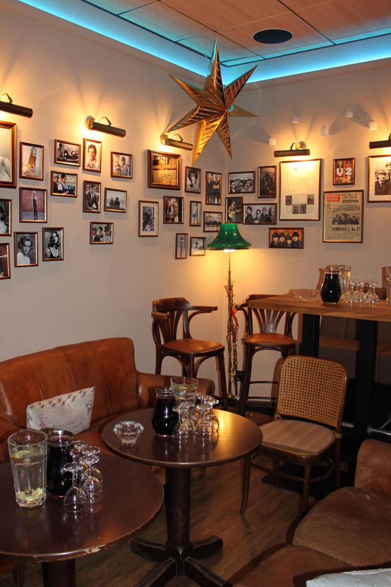 Galerie Café Legenda 19