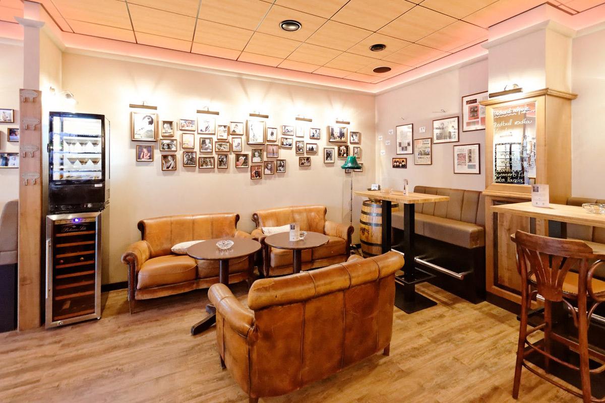 Galerie Café Legenda 05